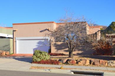 5700 Bosque Vista Drive NE, Albuquerque, NM 87111
