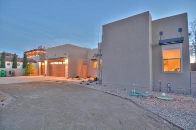 316 Nuevo Hacienda Lane NW, Los Ranchos, NM 87107