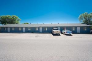 2700 Viola Drive SW, Albuquerque, NM 87105