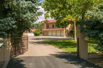 Photo of 6828 Rio Grande Boulevard NW, Los Ranchos, NM 87107
