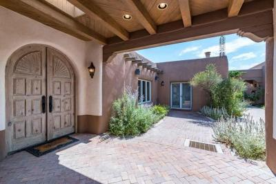 Photo of 210 Camino Del Rincon, Santa Fe, NM 87506