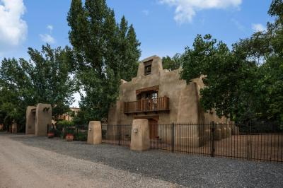 Photo of 7628 Rio Grande Boulevard NW, Los Ranchos, NM 87107