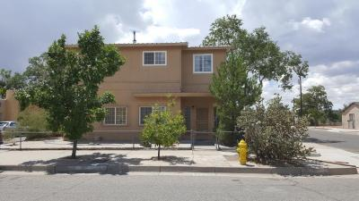 Photo of 1519 Los Tomases Drive NW, Albuquerque, NM 87102