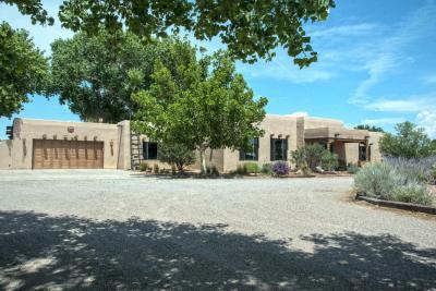 Photo of 6902 Della Court SW, Albuquerque, NM 87105