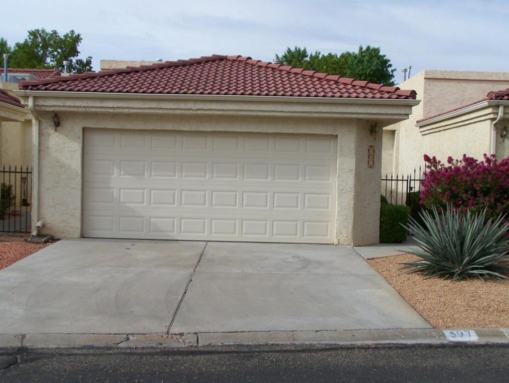 597 Eastlake Drive SE, Rio Rancho, NM 87124