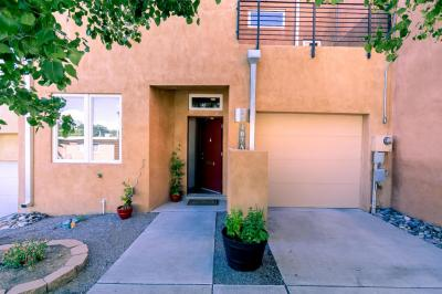 Photo of 407 Ridge Place NE #Apt A, Albuquerque, NM 87106