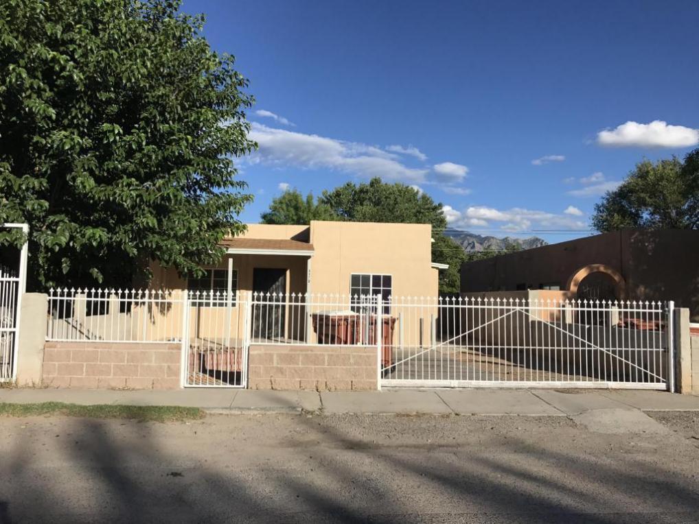 1172 Calle Madera, Bernalillo, NM 87004