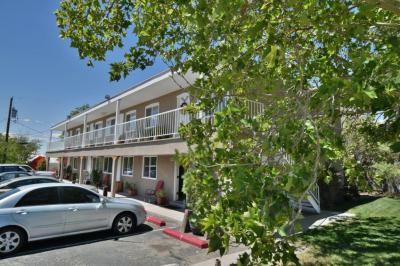 Photo of 1701 Girard Boulevard SE, Albuquerque, NM 87106
