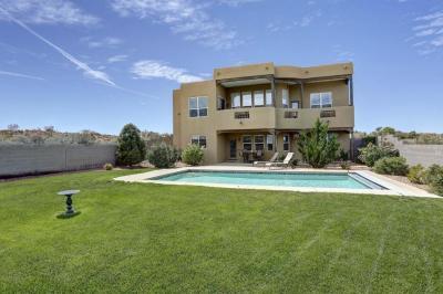 Photo of 1711 Aragon Court NE, Rio Rancho, NM 87144
