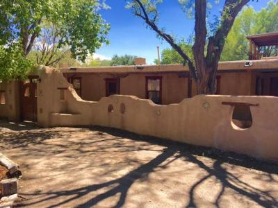 Photo of 565 W Ella Drive, Corrales, NM 87048