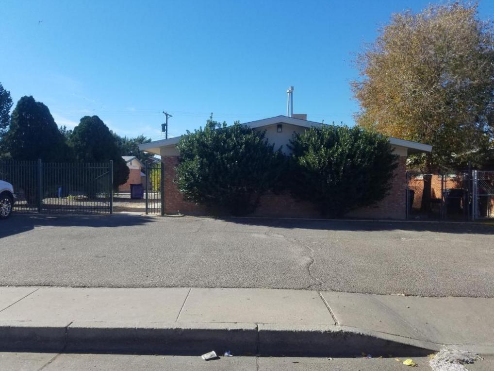 525 Indiana Street SE, Albuquerque, NM 87108