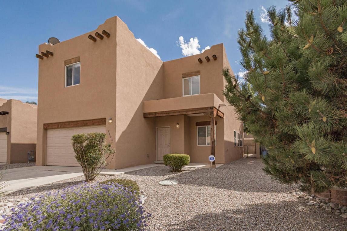 2608 Sarita Avenue NW, Albuquerque, NM 87104