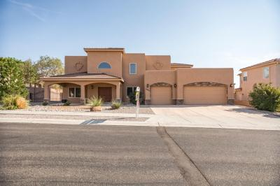Photo of 8204 Via Alegre NE, Albuquerque, NM 87122