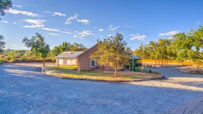 Photo of 808 W Meadowlark Road, Corrales, NM 87048