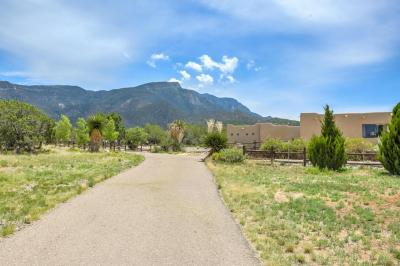Photo of 11 Quail Meadow Road, Placitas, NM 87043