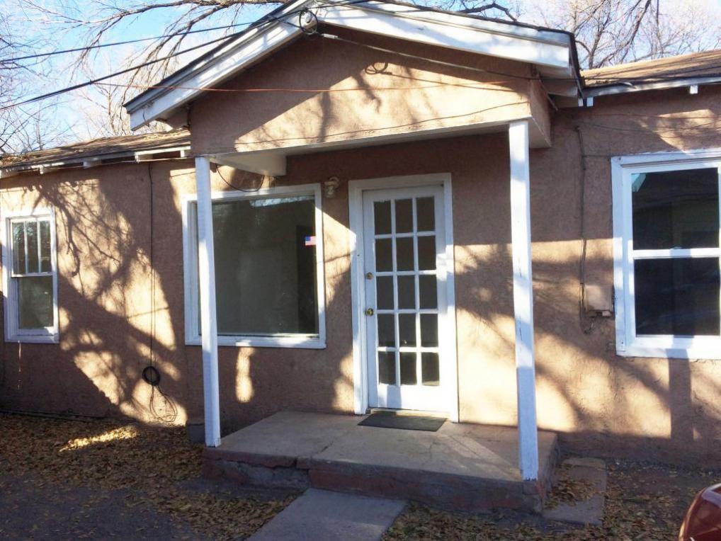 163 Riverside Drive SW, Albuquerque, NM 87105