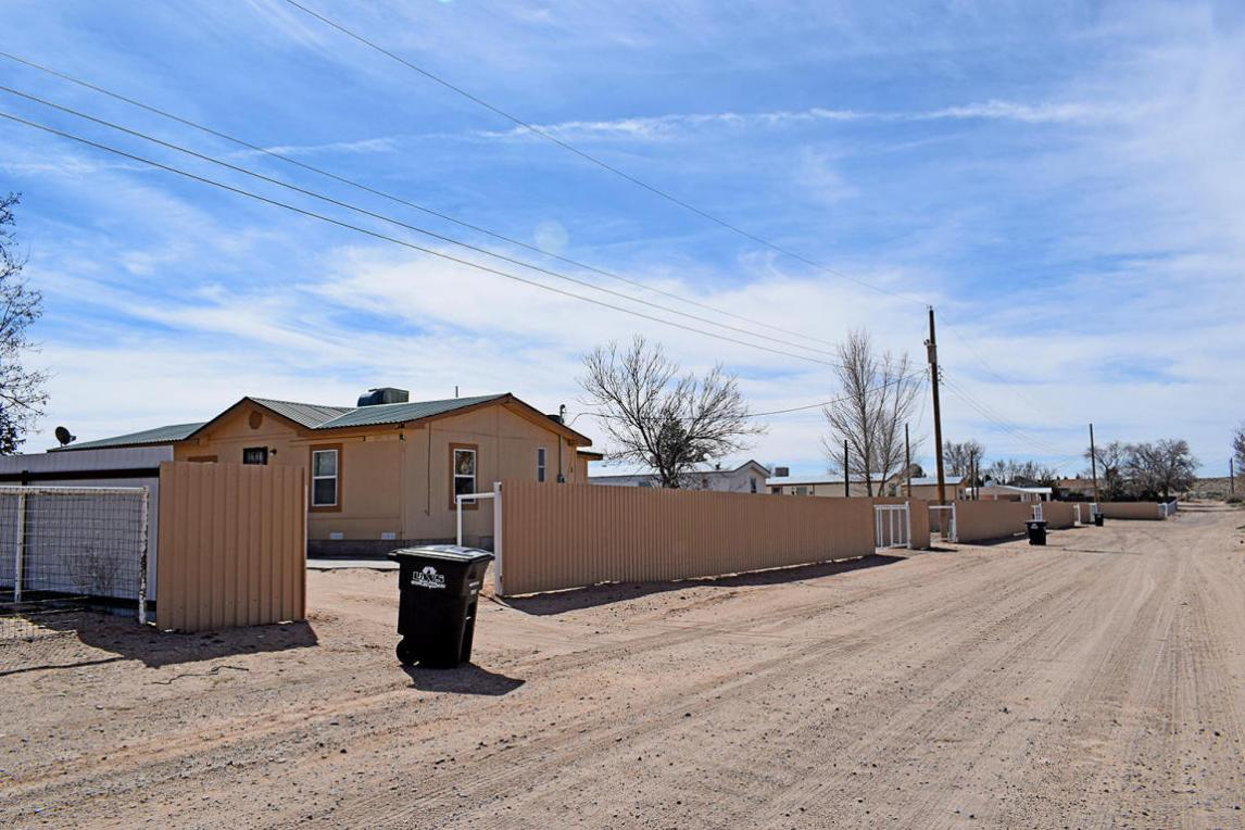 3 Karen Lane, Los Lunas, NM 87031