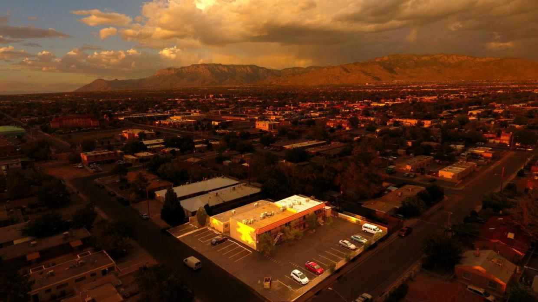 328 Tennessee Street SE, Albuquerque, NM 87108