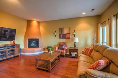 Photo of 4108 New Vistas Court NW, Albuquerque, NM 87114