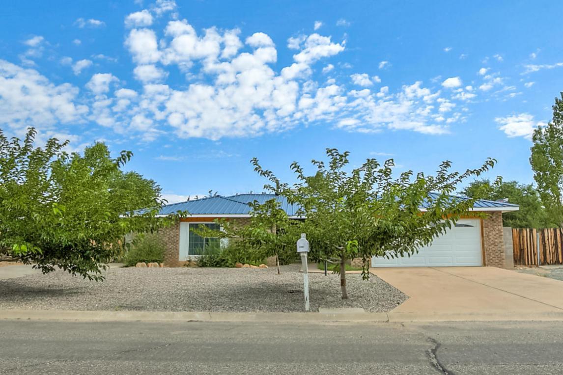 2101 Spruce Needle Road SE, Rio Rancho, NM 87124