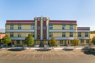 Photo of 110 Richmond Drive SE #203, Albuquerque, NM 87106