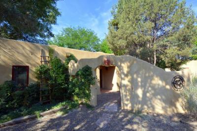 Photo of 170 El Cerro Loop, Los Lunas, NM 87031
