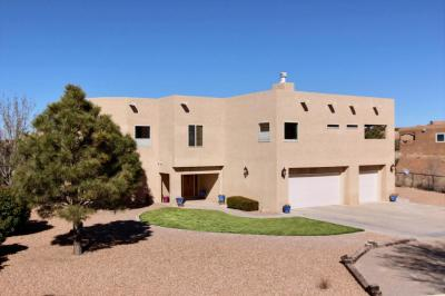 Photo of 41 Dusty Trails Drive, Placitas, NM 87043