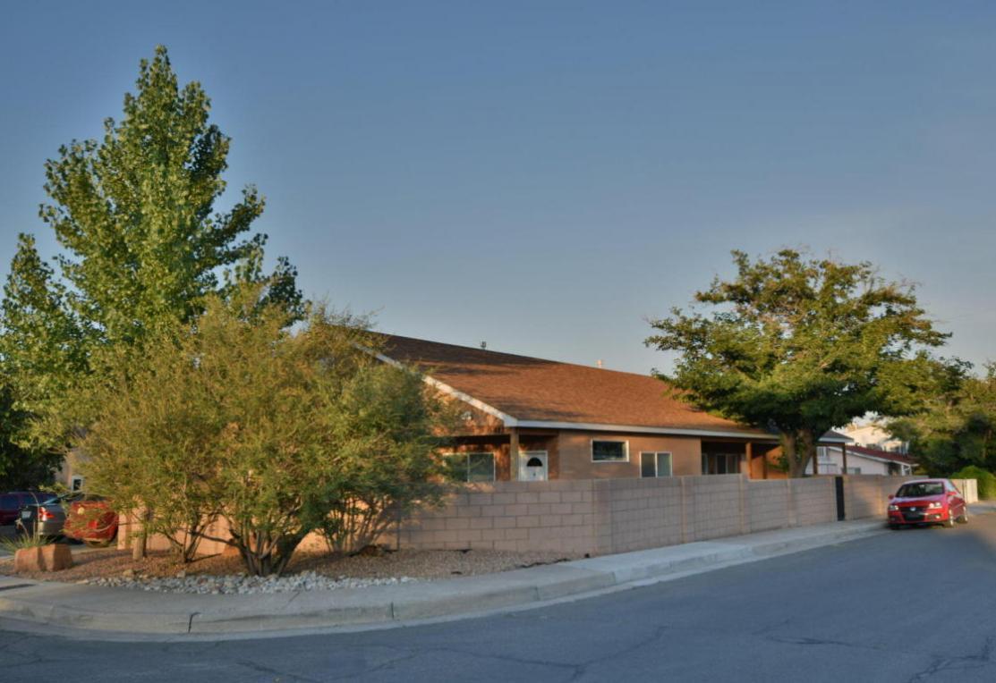 623 Madison Street NE, Albuquerque, NM 87110