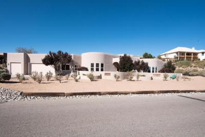 Photo of 709 Gray Hawk Drive NE, Rio Rancho, NM 87144