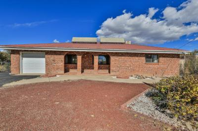 Photo of 2127 Valley Road SW, Albuquerque, NM 87105
