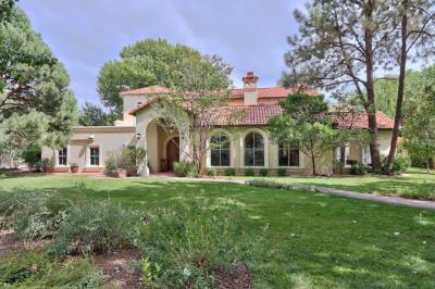 Photo of 5200 Eakes Road NW, Los Ranchos, NM 87107
