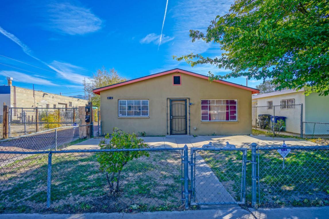 412 Alcazar Street SE, Albuquerque, NM 87108