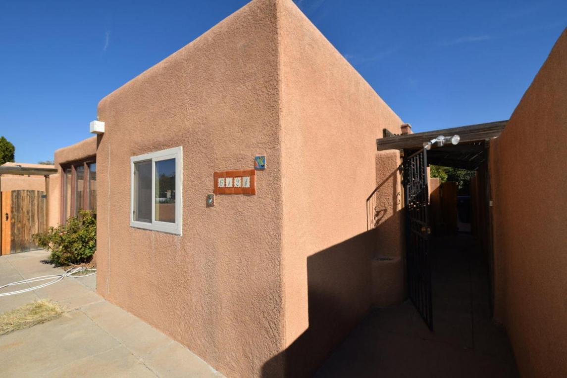 612 Adams Street NE, Albuquerque, NM 87110
