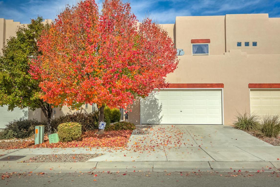4819 Spanish Sun Avenue NE, Albuquerque, NM 87110