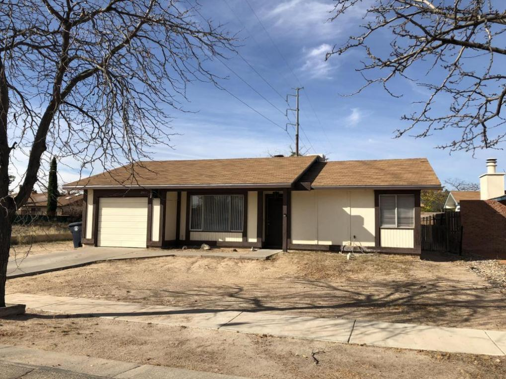 2601 Los Tretos Street NW, Albuquerque, NM 87120