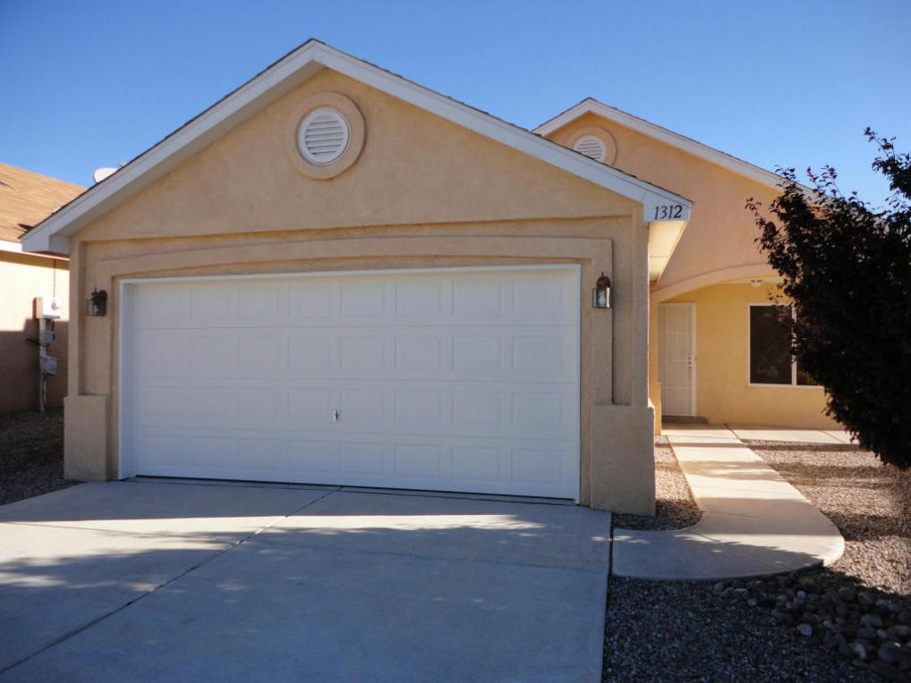 1312 Penasco Road NE, Rio Rancho, NM 87144