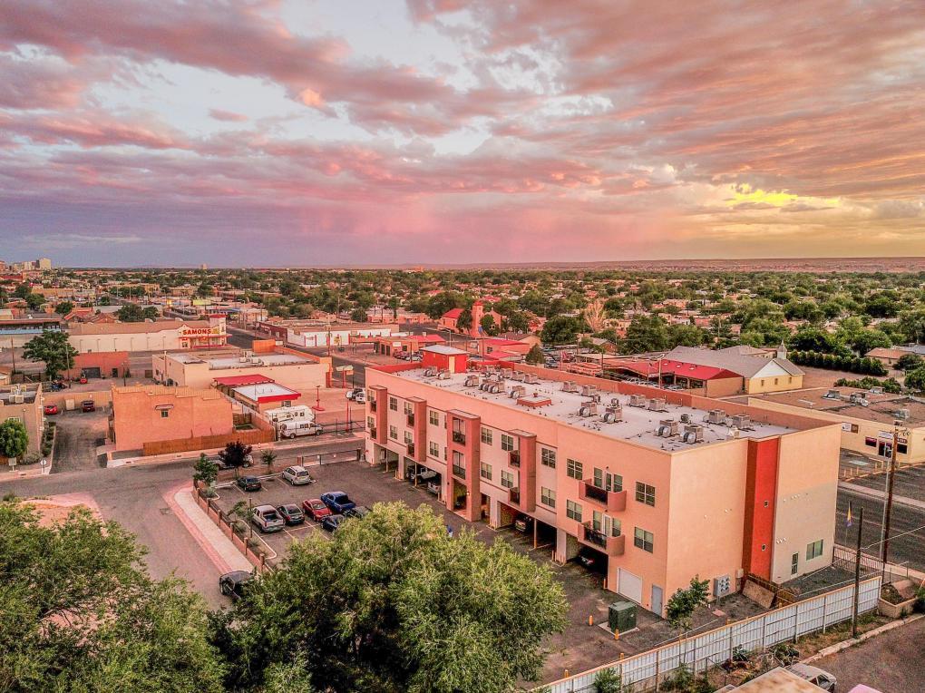 4322 4 Th Street NW, Albuquerque, NM 87107