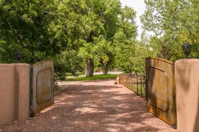 Photo of 5517 Rio Grande Boulevard NW, Los Ranchos, NM 87107