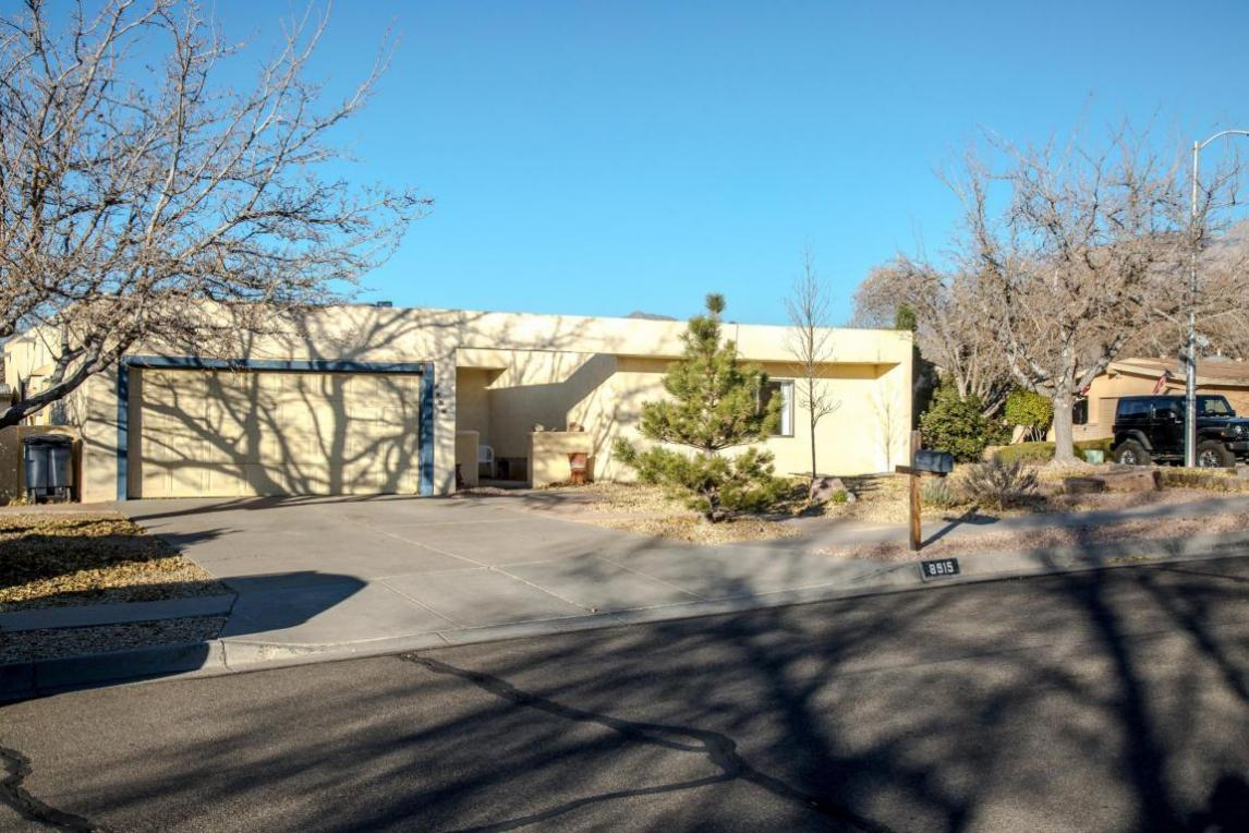 8915 Yankee Drive NE, Albuquerque, NM 87109