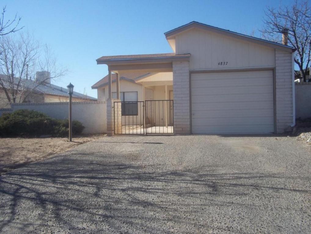4837 Platinum Loop NE, Rio Rancho, NM 87124