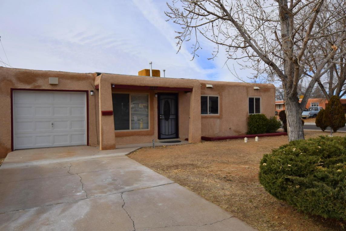 1237 Gretta Street NE, Albuquerque, NM 87112