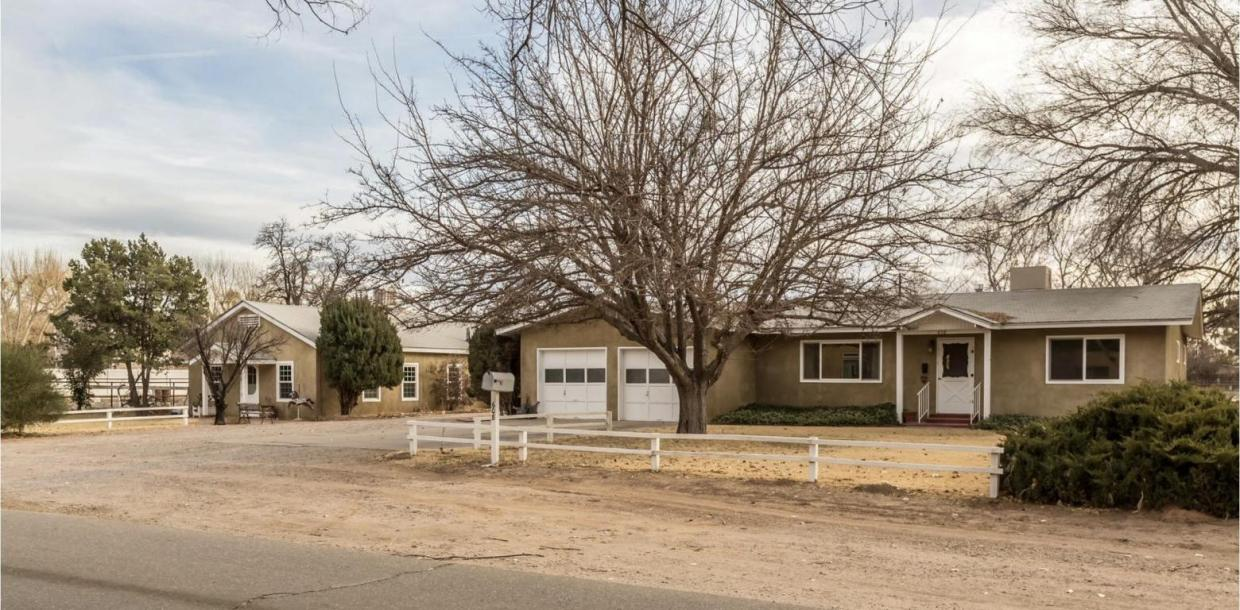 608 Bledsoe Road, Los Ranchos, NM 87107