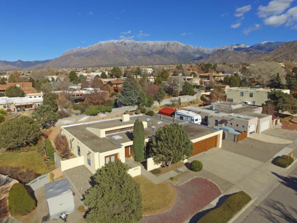 12905 Seco Court NE, Albuquerque, NM 87111