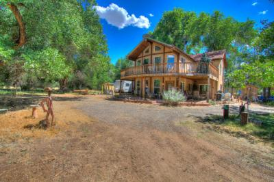Photo of 560 B Andrews Lane, Corrales, NM 87048