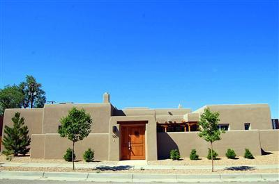 Photo of 1120 Las Lomas NE, Albuquerque, NM 87106