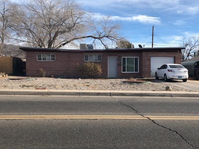 1130 Morris Street NE, Albuquerque, NM 87112
