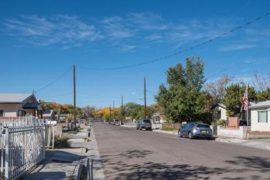 1005 Santa Fe Avenue SW, Albuquerque, NM 87102