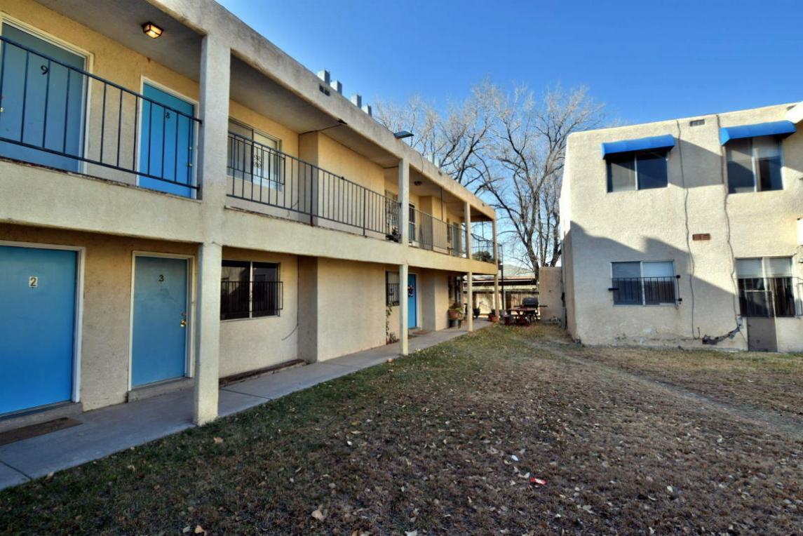 2211 Rio Grande Boulevard NW, Albuquerque, NM 87104