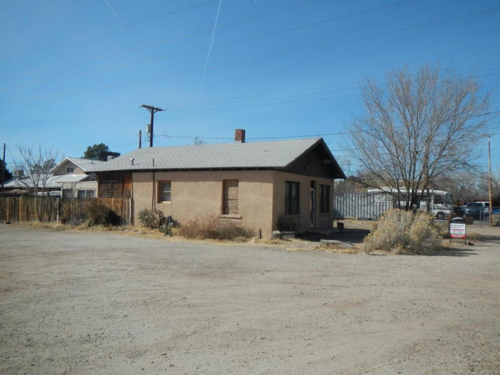 1406 Mountain Road NW, Albuquerque, NM 87104