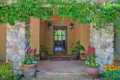 Photo of 140 Laker Drive, Corrales, NM 87048